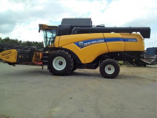 New Holland CX 7.80 Moissonneuse batteuse